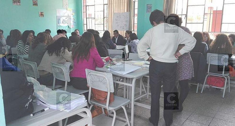 Currículo educativo exige trabajo en equipo de directores