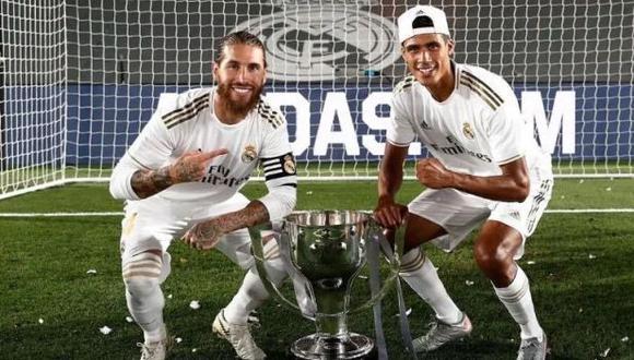 Sergio Ramos compartió un mensaje para despedir a Raphael Varane, su antiguo compañero en la zaga de Real Madrid. (Foto: Twitter)