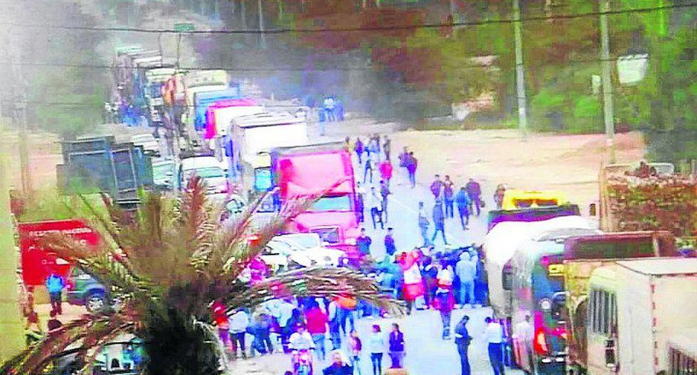 Protestas en el km 245 de la carretera Panamericana Sur se agudizan