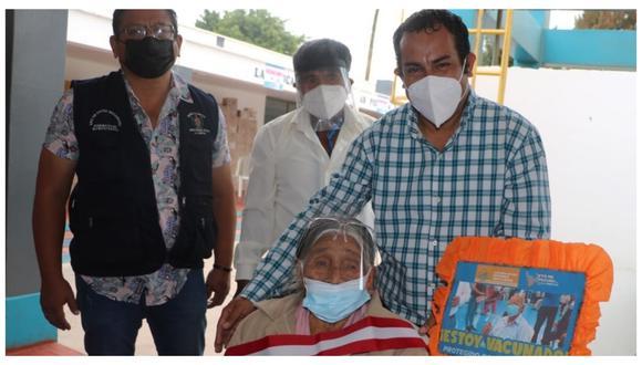 Más de 150 adultos mayores vacunados en el distrito de San Pedro de Lloc, ubicado en la provincia de Pacasmayo, en primer día de vacunación.