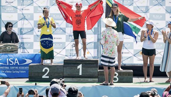 Sofía Mulanovich se corona campeona mundial en torneo de surf