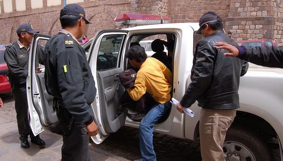 Cusco: Chofer aparentemente ebrio agrede a policía en medio de intervención