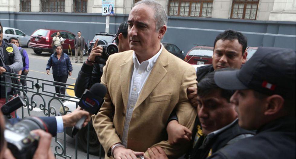 Kouri demanda por 50 millones de soles a dos jueces que lo condenaron por corrupción