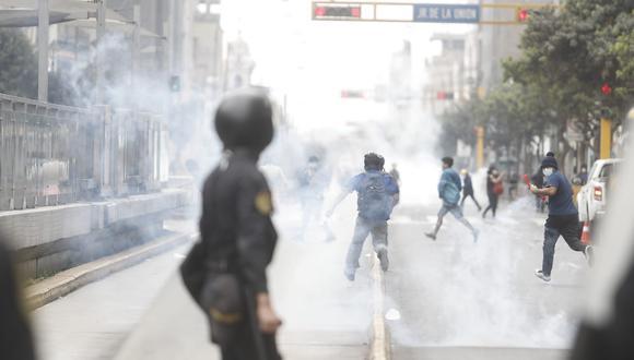 Disturbios y detenidos en la protesta por la vacancia del presidente vizcarra en el Centro de Lima. (Fotos: César Campos / @photo.gec)