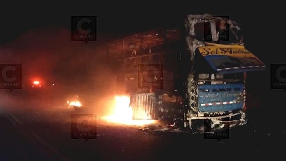 Se incendia bus Sol Andino que iba a Puno y 70 pasajeros salvan de morir