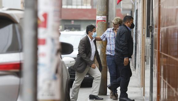 El sentenciado secretario general de Perú Libre no dio declaraciones a la prensa a su ingreso a la vivienda. (Foto: Diana Marcelo/ GEC)
