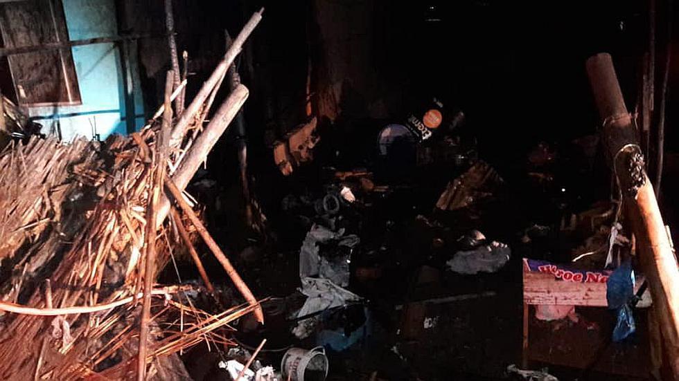 Incendio reduce a cenizas vivienda de esteras de una anciana en la Tierra Prometida