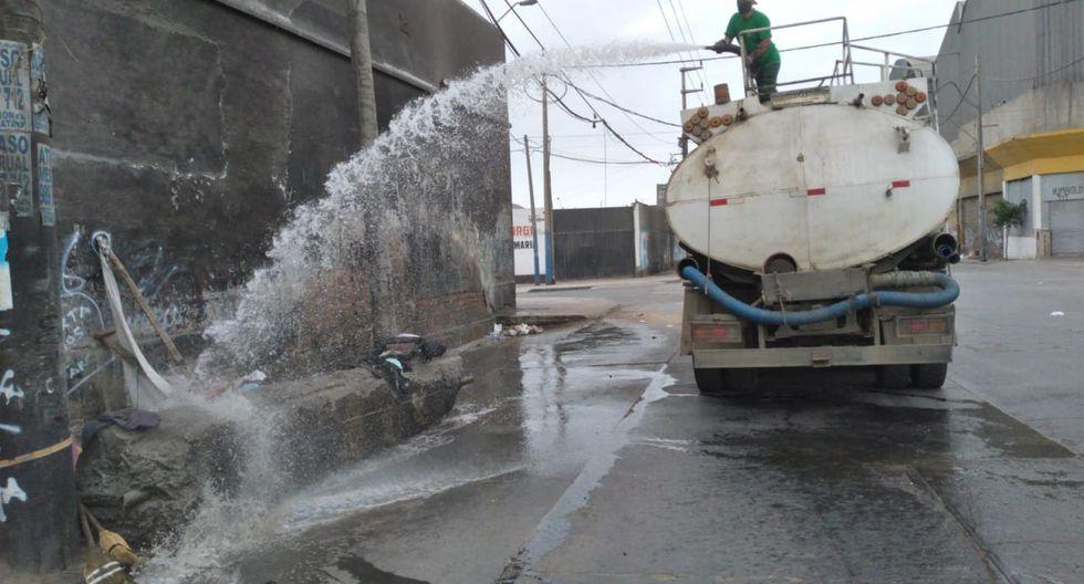 La Municipalidad de La Victoria realizó este miércoles labores de limpieza y desinfección en los mercados, centros de salud y diversos espacios públicos del distrito. (Foto: Municipalidad de La Victoria)