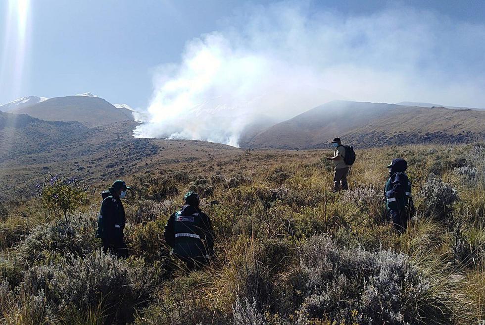 Arequipa: Incendio en las faldas del volcán Chachani (FOTOS)