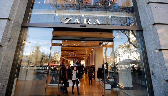 En el primer semestre del año, Zara rozó los 3.000 millones de visitas a su tienda online y ha mantenido al alza sus ventas, logrando superar por primera vez el millón de pedidos en un solo día a través de este canal. (Foto: Reuters /Albert Gea/File Photo)