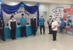 Vacunan a personal de importantes centros de salud en Huancavelica