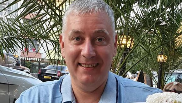 Imagen de David Parker, uno de los mayores antivacunas en Reino Unido. (Captura de pantalla).