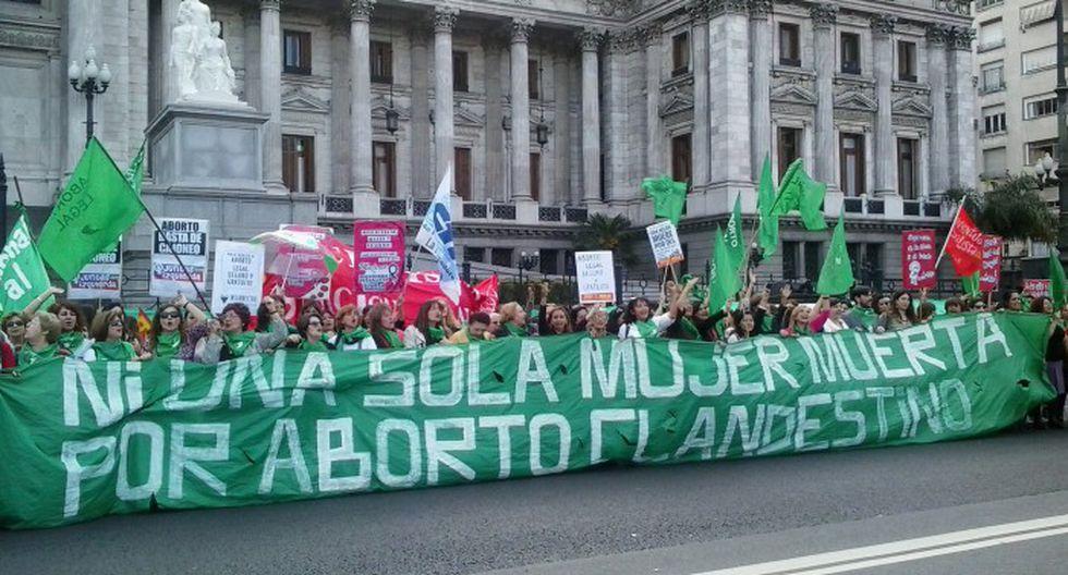 Miles piden legalización del aborto en Buenos Aires