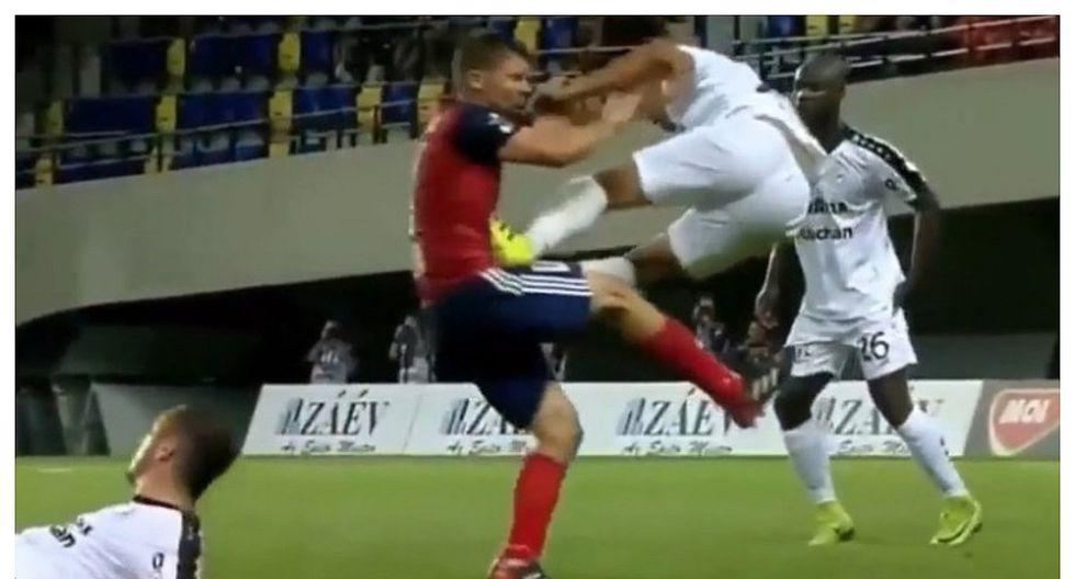 Violenta patada que está dando la vuelta al mundo se registró en la Champions League (VIDEO)