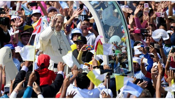 """Papa Francisco en Perú: """"Quiero invitarlos a luchar contra el feminicidio"""""""
