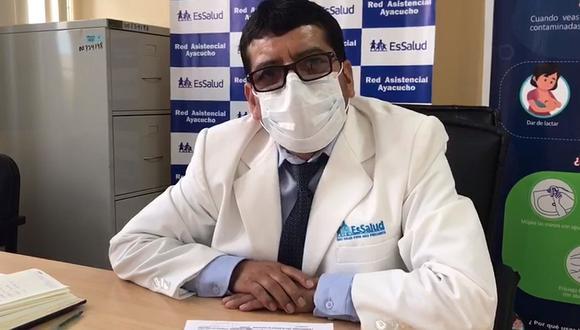 """Director de Essalud: """"Un médico, un enfermero y un técnico se contagian al día con Covid-19"""""""