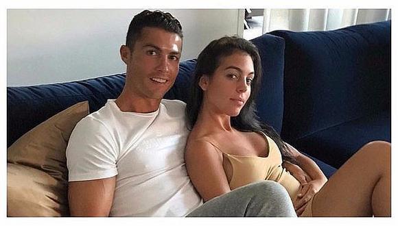 """Cristiano Ronaldo: salen a la luz """"fotos censuradas"""" de su novia y causan polémica"""