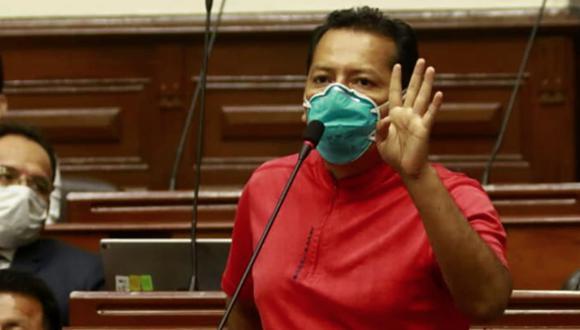 En el último Pleno, cuando se discutía el acceso a la vacuna contra el COVID-19, el congresista Posemoscrowte Chagua (UPP) no tuvo mejor idea que el exclamar a los cuatro vientos que con dichas inmunizaciones el remedio puede ser mucho peor que la enfermedad.