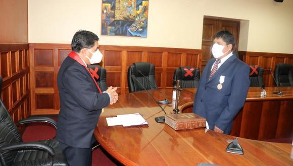 El flamante magistrado tomó juramento ante el presidente de la Corte Superior de Justicia (Foto: Difusión)