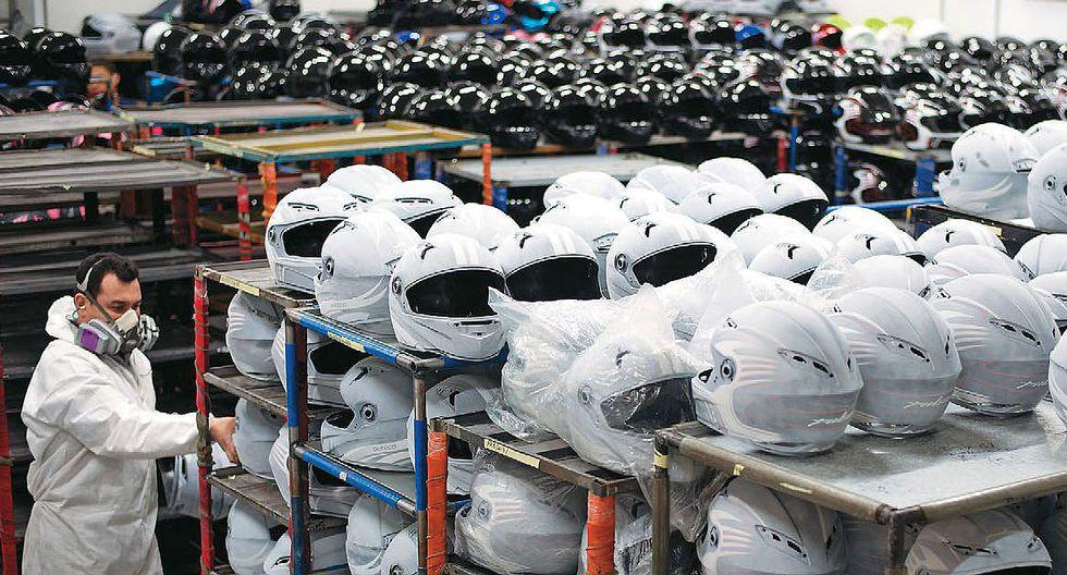 Atención motociclistas, estos son los nuevos requisitos de protección para el uso del casco