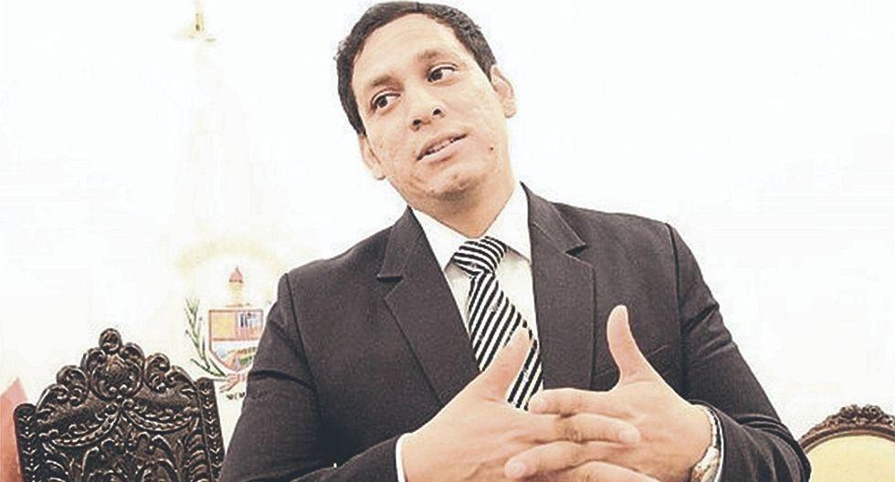 Contraloría suspende a Luis Valdez para ejercer funciones en un cargo que dejó hace 5 años