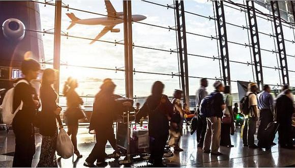 Aerolíneas podrían elevar tarifas por el peso de cada pasajero