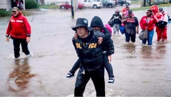 Huracán Harvey: Una madre logró salvar a su hija pero murió en medio de inundación