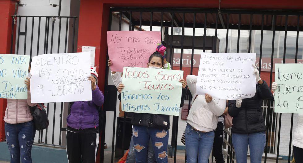 Poder Judicial de Lima Norte: familiares de detenidos protestan por paciente con COVID en carceleta. Fotos: Violeta Ayasta/GEC