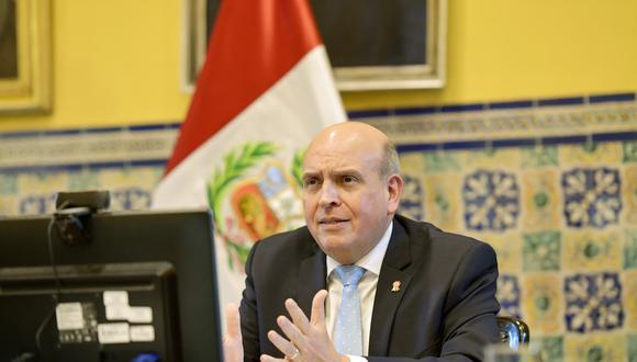 El canciller Mario López Chávarri se pronunció por el caso de Gianluca Lapadula. (Difusión)