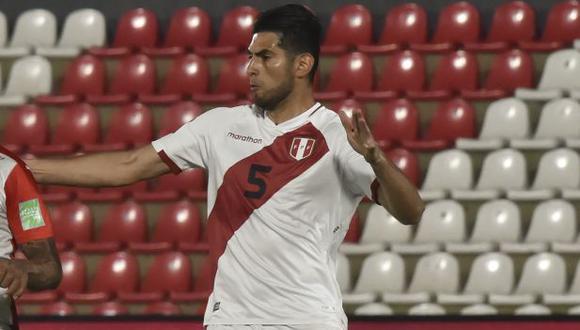 El posteo de Carlos Zambrano a horas del Perú vs. Argentina. (Foto: AFP)
