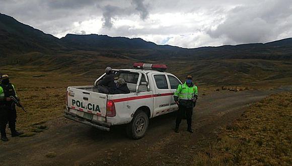 Sujetos encapuchados asaltan y se llevan una camioneta en la selva de Puno