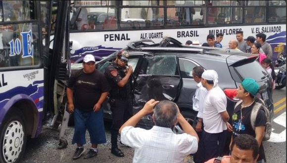 Al menos doce heridos deja triple choque en la avenida Brasil