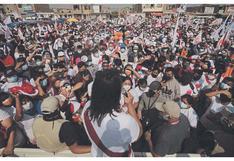 Chimbote: Keiko Fujimori pasea en lancha y hace mitin en local estatal