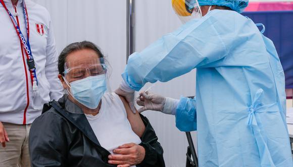 La Gerencia Regional de Salud espera llegar a todos los pobladores de los distritos  entre los 50 y 59 años de edad. (Foto: archivo GEC)