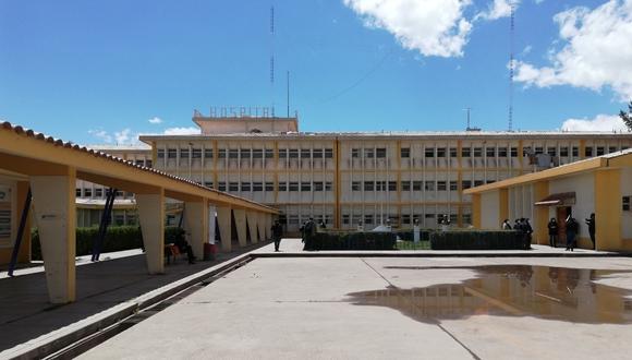 La policía constató el cuerpo, ya cadáver, en el hospital Carlos Monge Medrano. (Foto: Difusión)