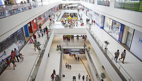 Gobierno cierra centros comerciales, pero supermercados podrán atender al 40%.