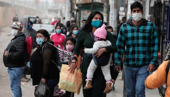 Vicedecano del Colegio Médico del Perú pide no bajar la guardia sobre las medidas que se deben tomar contra el coronavirus. Recordó que la llegada de la vacuna va a demorar.  (Foto: Angela Ponce / GEC)