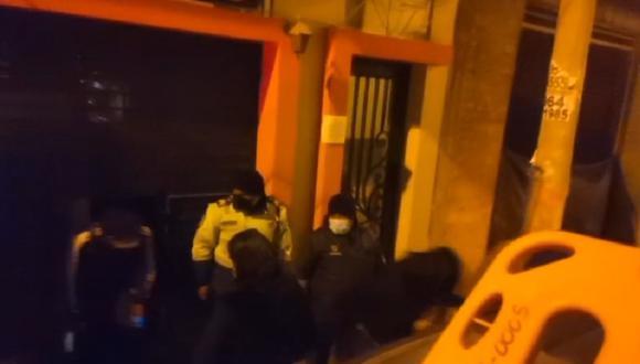 Más de 45 personas intervenidas en discoteca clandestina.