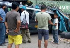 Cinco pasajeros fallecidos tras caer roca sobre miniván en Ucayali
