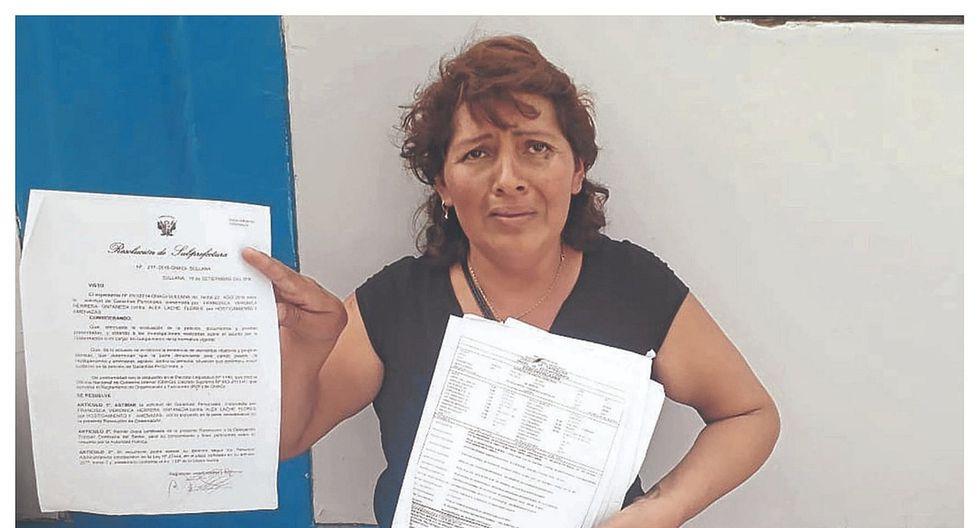 Mujer desesperada por supuestas agresiones