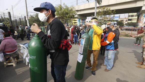Conseguir oxígeno en estos tiempos es una tarea difícil para los familiares de los pacientes con coronavirus u otras enfermedades crónicas. Conoce en la siguiente nota los puntos de venta en Lima. (Foto: Violeta Ayasta/GEC)