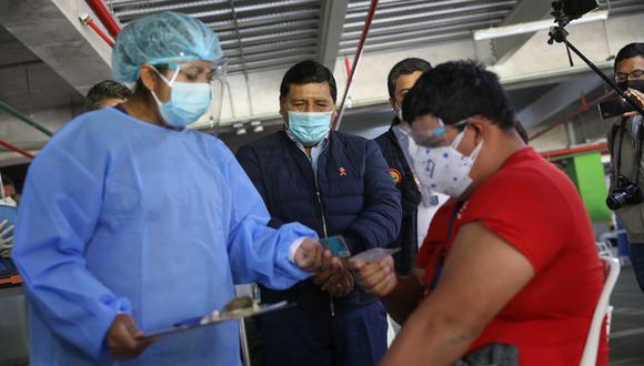 Docentes de las zonas rurales ya reciben vacuna contra el COVID-19 en Ica. Foto: GORE Ica
