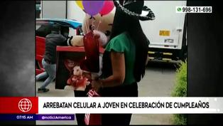SJL: ladrones arrebatan celular a joven en plena celebración de cumpleaños