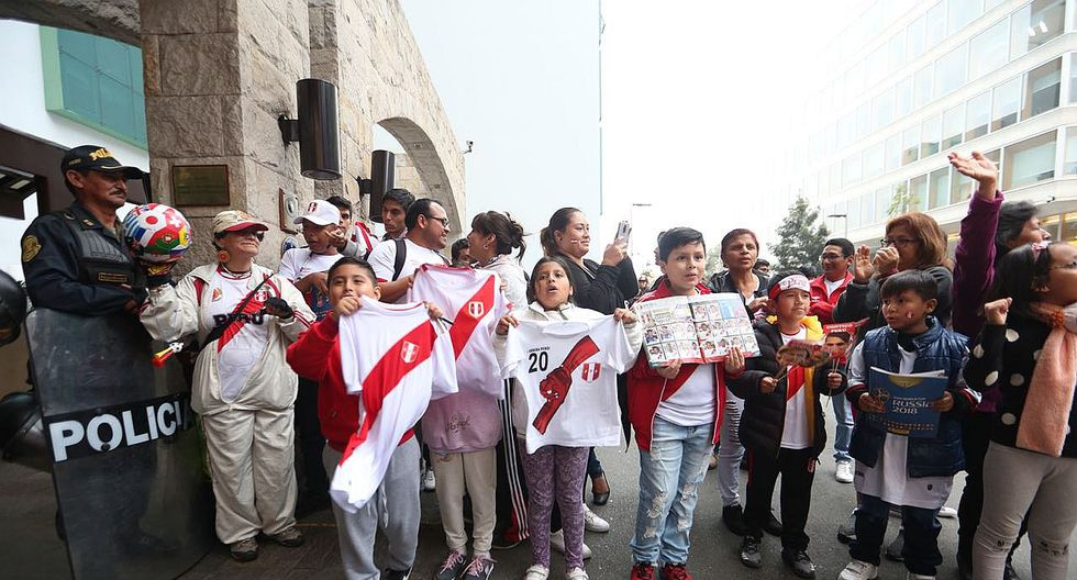 Perú vs Escocia: Hinchas viven verdadera fiesta en la previa del partido (FOTOS)