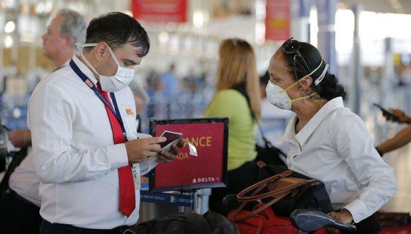 Nueva York bloquea baja de enfermedad remunerada a quienes viajen a focos COVID-19. (AFP/JAVIER TORRES).
