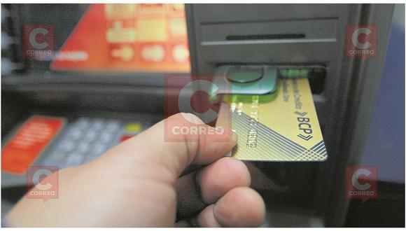 Acuden a discoteca y les roban hasta las tarjetas de crédito
