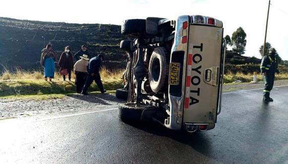 Por fortuna los ocupantes de la camioneta resultaron ilesos. (Foto: Difusión)