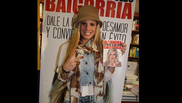 Gian Piero Díaz defiende libro de Alejandra Baigorria