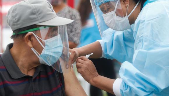 Vacunación de este grupo entre 60 y 62 años contra el COVID-19 se inicia el martes 8 de junio en Lima y Callao, informó el Minsa.