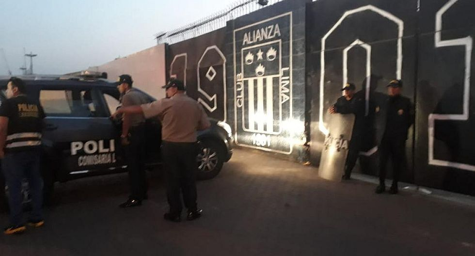 Alianza Lima: refuerzan explanada del estadio Matute ante rumor de toma por grupo evangélico (FOTOS)
